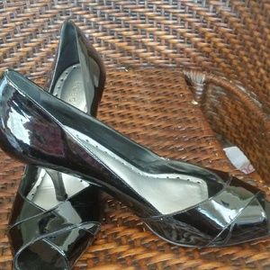 BcBg shiny patent leather high heels 9.5